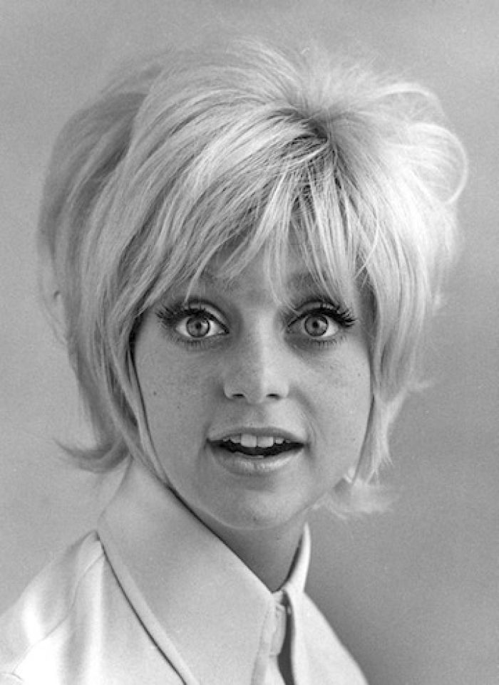 Short Hairstyles For Females Picture 1960s Hair Goldie Hawn Design 360x495 Pixel