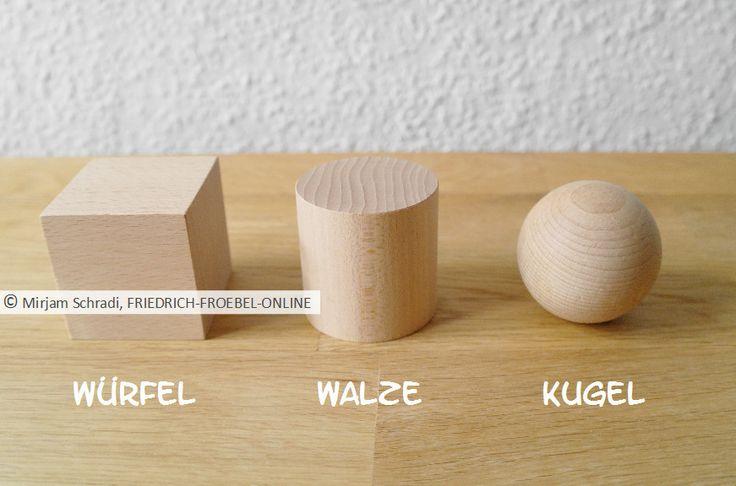 spielgaben nach froebel hier zu sehen die 3 geometrischen k rper aus holz der spiegabe 2. Black Bedroom Furniture Sets. Home Design Ideas