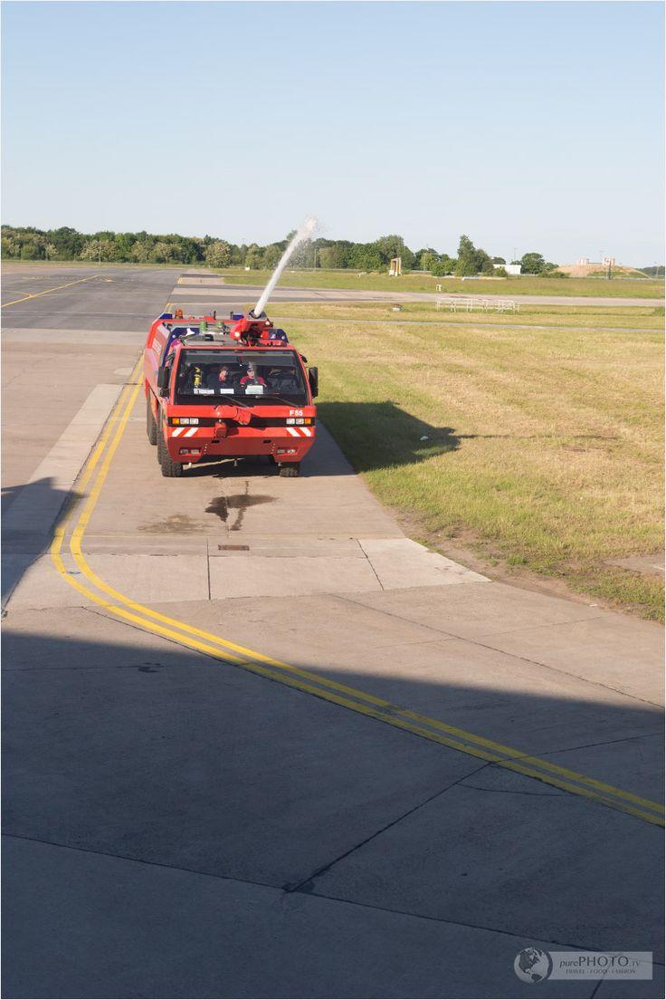 Feuerwehr - Condor in Berlin - First flight event - Erstflug Event des Voyager Android Airbus A321 - Thomas Cook - Flughafen Schönefeld in Berlin, Germany/Deutschland