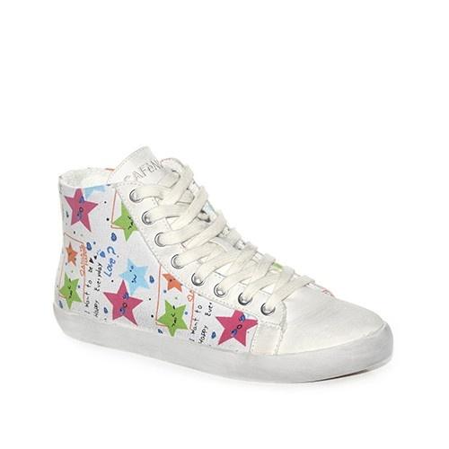 Sneakers in tela con stelline decorative stampate sul tessuto.