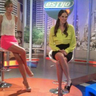 Natalia Valenzuela. Estilo RCN. Falda y Blusa Disponibles
