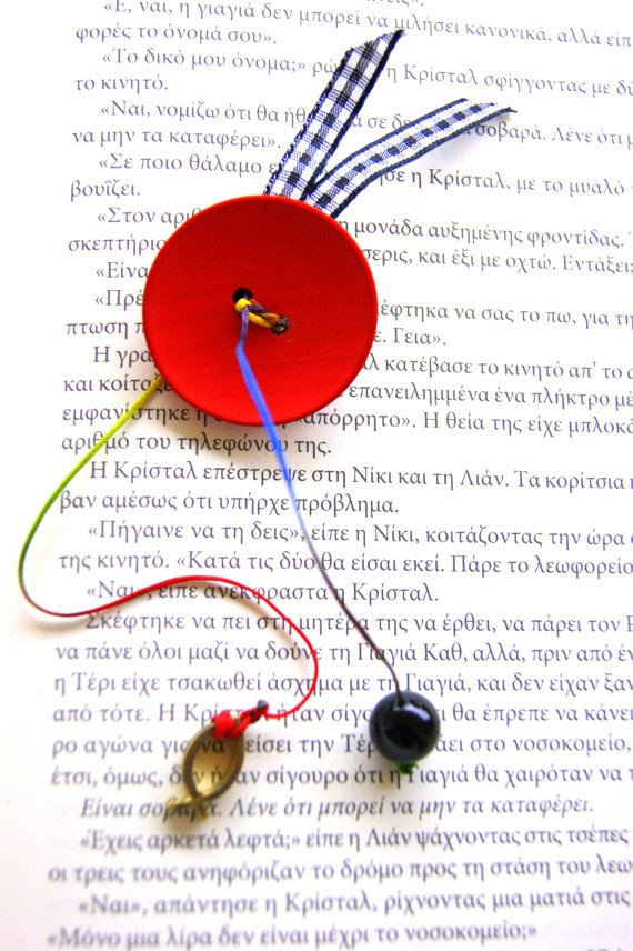 Button brooch by RenatasArt on Etsy, €12.00