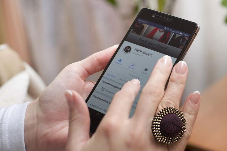 Cipzár gyűrű, cserélhető textil bőr gombocskával.