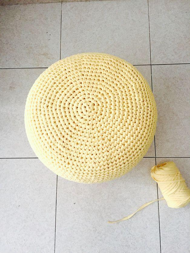 Cojines de suelo y pufs - Round-Puf crochet amarillo-Cojín suelo-pouf 40x30 - hecho a mano por Geometrik_Design en DaWanda