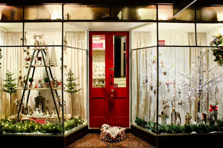 Gorgeous Christmas Window from Nest and Burrow in Bundanoon, NSW