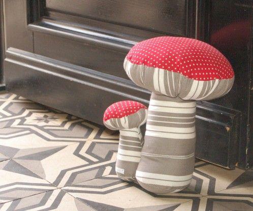 De jolis champignons pour un cale porte...