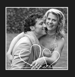 Trouwkaarten met foto, plaats je eigen foto (of: laat je foto professioneel plaatsen door een medewerker van Trouwpost.nl), pas de tekst aan en uw trouwkaart met foto is klaar. De eerste proefdruk is gratis! http://www.trouwpost.nl/trouwkaarten/foto-zelf-plaatsen/