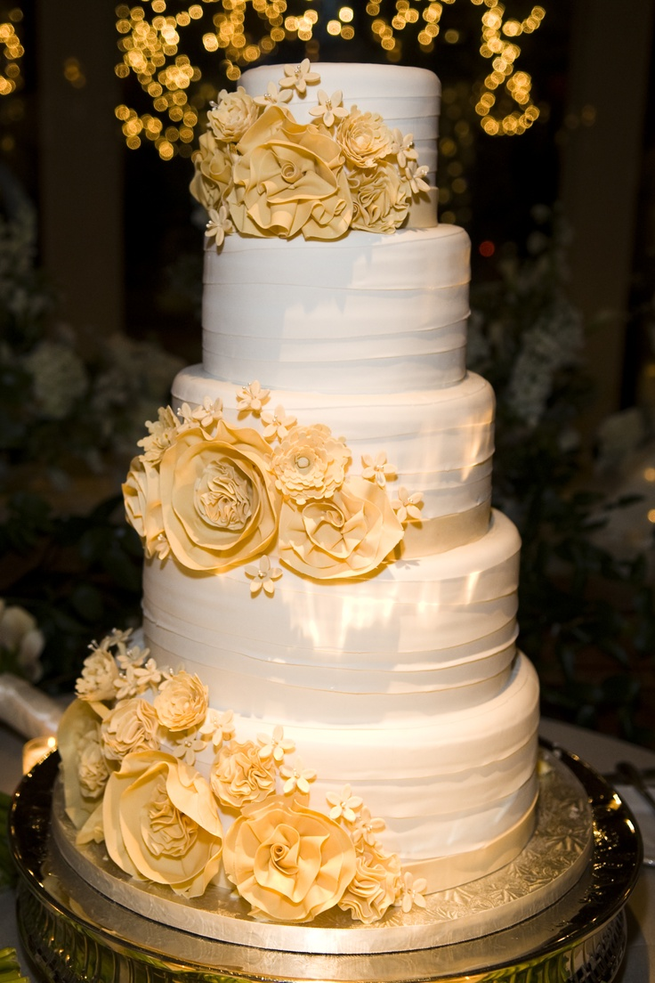 41 best Wedding Cake/Cup Cakes images on Pinterest   Bird wedding ...