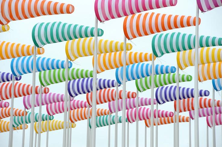 Bientôt les vacances... - Installation by Daniel Buren.