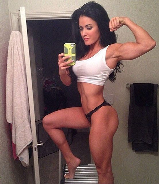 Bikini Pro Jessica Arevalo showing her biceps... Open to check out her routine. Good info!