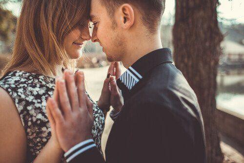 L'amour durable commence quand on cesse d'être amoureux-ses – Nos Pensées