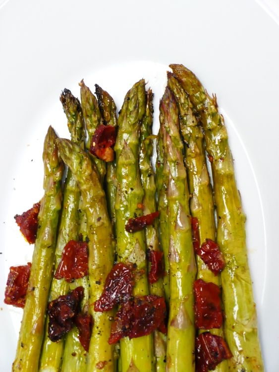 Easy healthy recipes roasted asparagus a great side for Good side dishes for grilled chicken