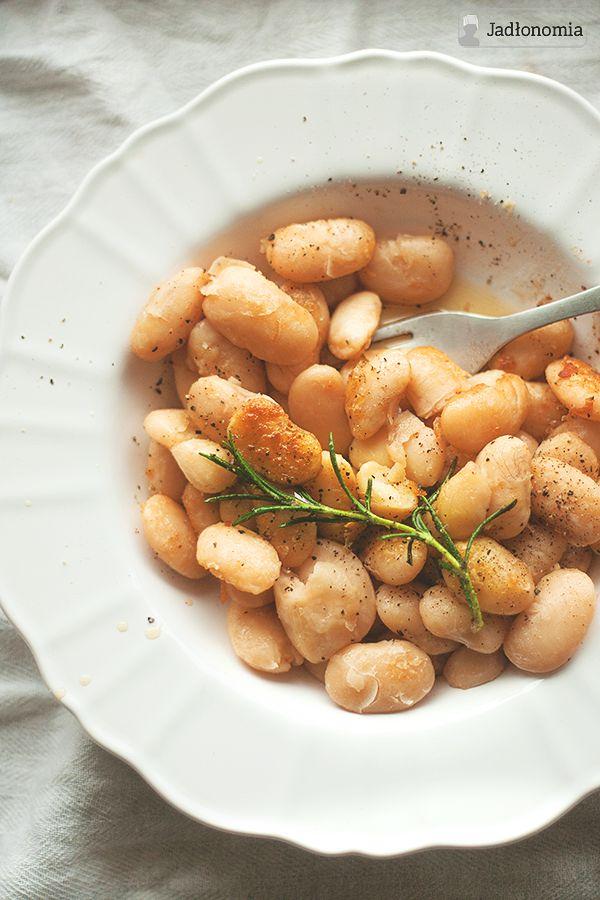 Wigilijna biała fasola w miodzie z rozmarynem » Jadłonomia · wegańskie przepisy nie tylko dla wegan