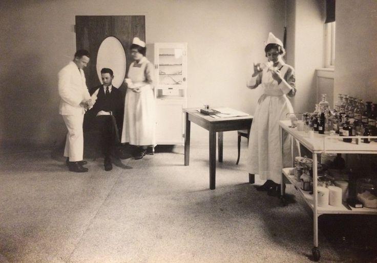 Treatment room at Misericordia (Mercy Philadelphia) Hospital in 1918. #ThrowbackThursday #tbt #100YearsOfMercy #CenturyOfMercy
