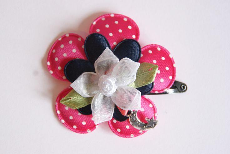 Knip met verschillende bloemen en bedel www.lotenlynn.nl https://www.facebook.com/lotenlynnlifestyle