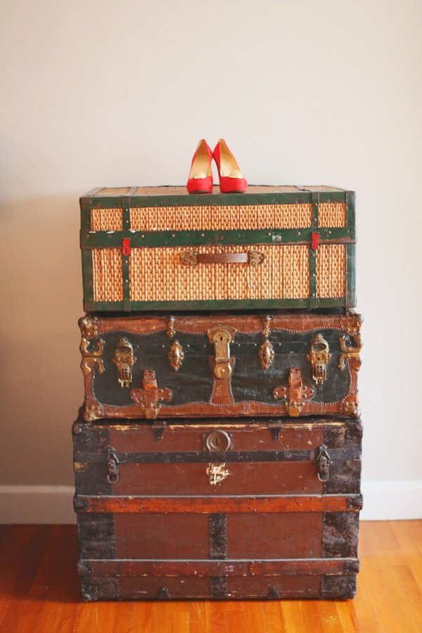 17 Best images about Old suitcases and trunks i love them on ...