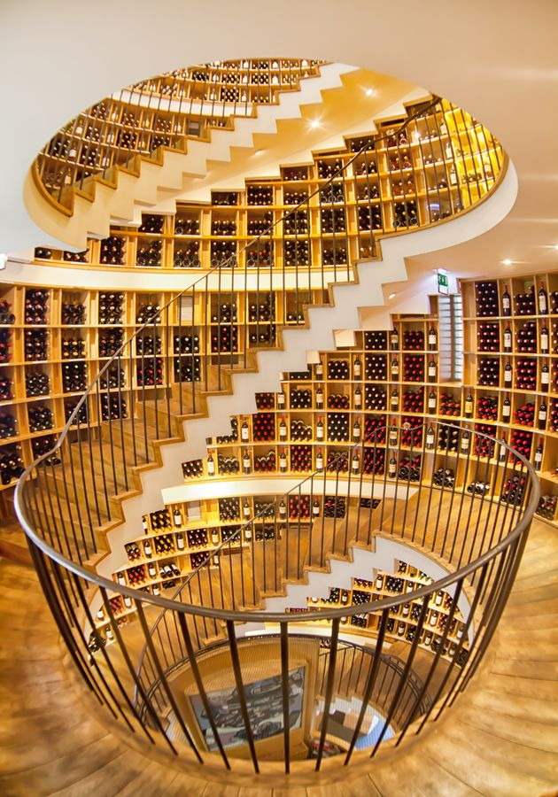 Extraordinary architecture in L'Intendant Wine Shop, Bordeaux, Gironde, Aquitane, #France