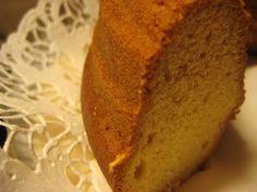 Mummon hapankermakakku on todella maukasta ja helppo valmistaa! Se sopii hyvin myös moniin tilaisuuksiin :D Kasvisruoka. Reseptiä katsottu 32111 kertaa. Reseptin tekijä: MiniKokki-.