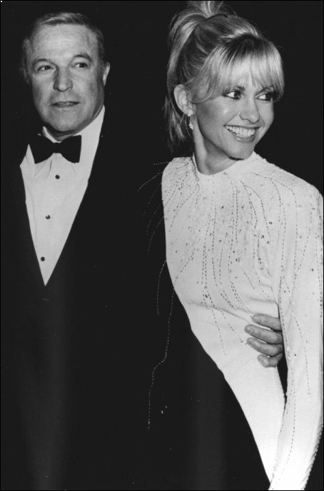 Olivia Newton-John and Gene Kelly - xanadu Photo