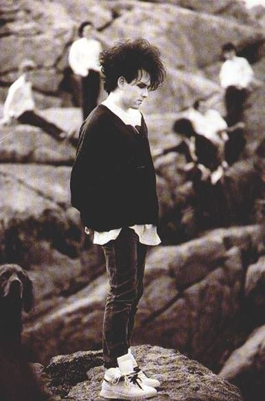 I can't even begin to describe how much I love this old photo of The Cure <3