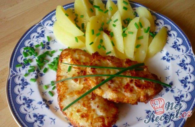 Marinovaná kuřecí prsa s vařenými bramborami | NejRecept.cz