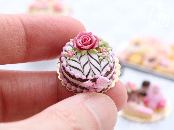 Miniature chocolate cake♡ ♡  by Paris Miniature