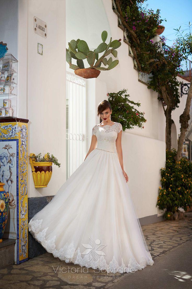 ORNELLA#wedding, #weddingdress, #nefelejcsruhaszalon, #esküvőiruha,#esküvő, #menyasszonyiruha,#menyasszony