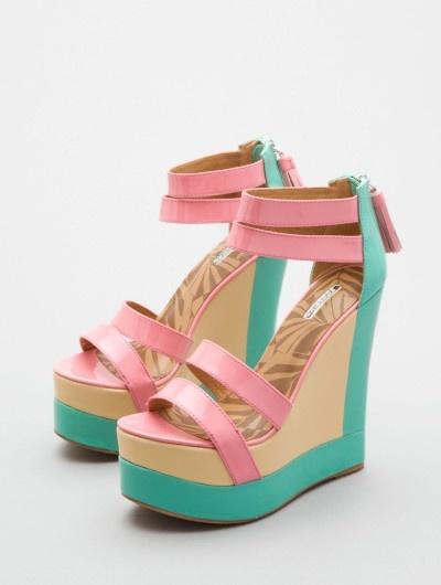 wedges...fun colors and even I could walk in them!: Shoes Wedges, Strictly Shoes, Colors Wedges, Design Shoes, Ice Wedges Echo, Wedges Fun Colors, Matiko Echo, Colour Wedges, Colorblock Wedges