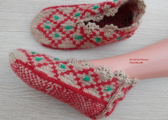 Turkish Anatolian hand knit women's slippers by ALIFEINCOLOURS, $25.00
