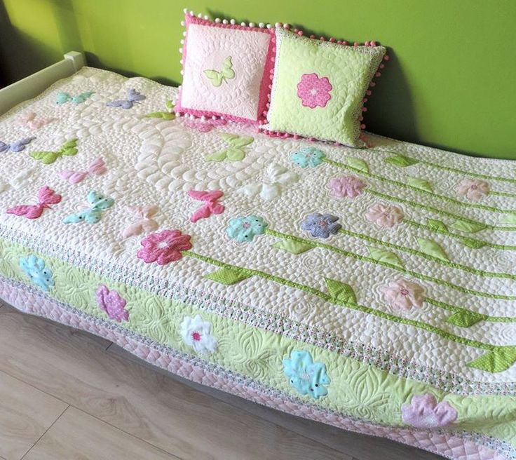 Toddler Girl Quilt - Homemade Quilt - Butterfly Quilt Patchwork Quilt - Twin Size Quilt - Quilted Bedspread - Modern Quilt - Quilted Bedding Order here: https://www.etsy.com/listing/482361461/toddler-girl-quilt-homemade-quilt?ref=listing-shop-header-1