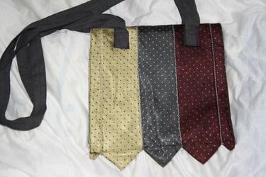 Krawatten Tasche zum Umhängen.
