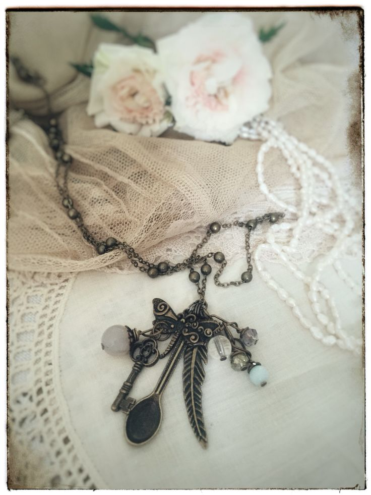 Vintage jewelry, hand made spoon necklace. Antique bronze fairy tale jewelry on www.varalusikka.fi