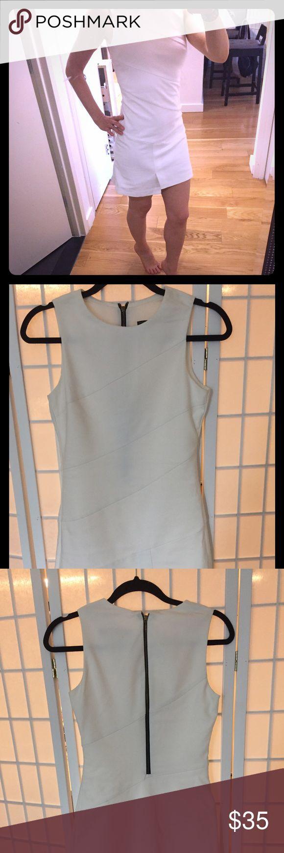 White dress White summer dress in great condition. Zara Dresses Mini