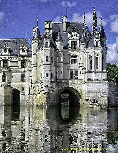 204 best great palaces castles country and manor houses for 11th century castles floor plan