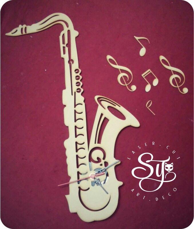 Tu #instrumento favorito lo podemos convertir en una hermosa #decoración!! Qué viva el #Jazz y #Saxofón.