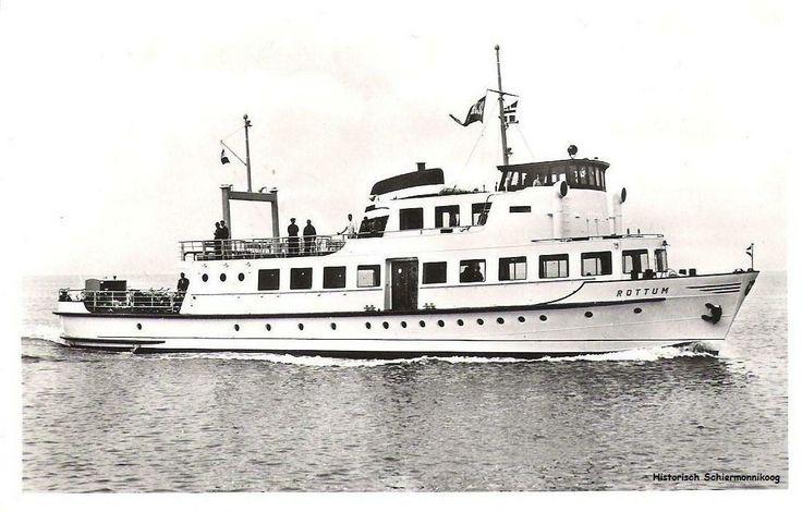 Vroeger op Schiermonnikoog: de veerboot 'De Rottum'.