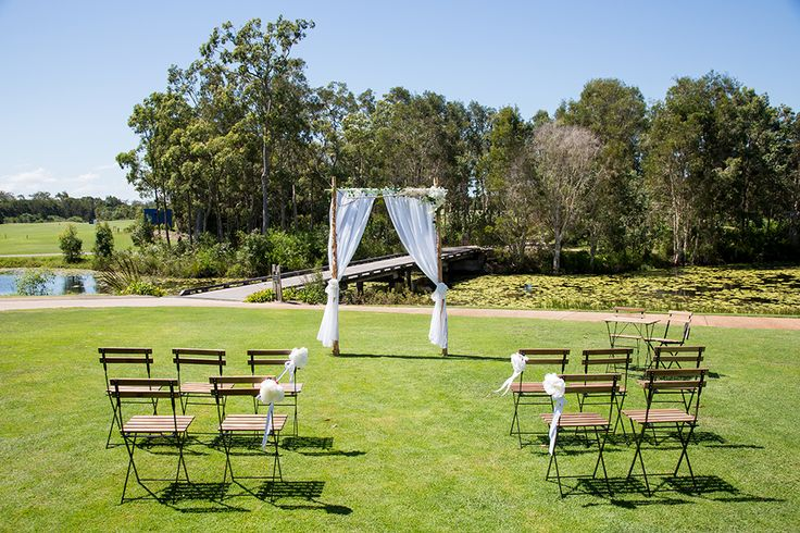 Pelican Waters Golf Club have a number of ceremony options.