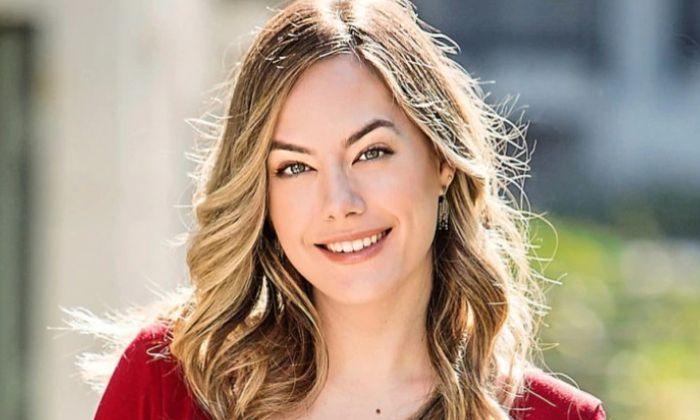 Annika Noelle Bio العمر Wiki الأسرة المواعدة إحصائيات الجسم حقائق In 2021 Becoming An Actress Celebrity Feet John Lloyd Young