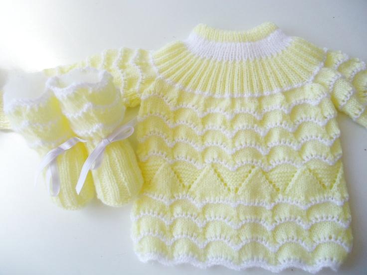 Conjunto de jersey y patucos en blanco y amarillo para bebe, primera puesta