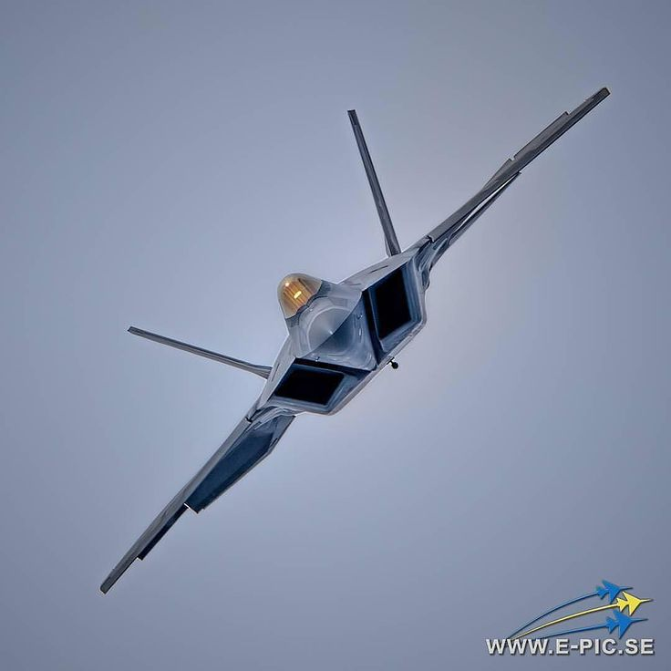 USAF F22 Raptor. Beautiful bird!