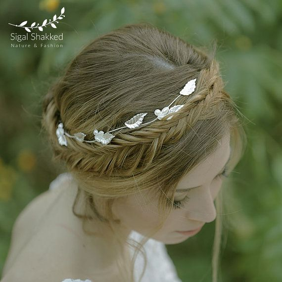 Hey, I found this really awesome Etsy listing at https://www.etsy.com/il-en/listing/449381860/silver-wedding-crown-wedding-headpiece