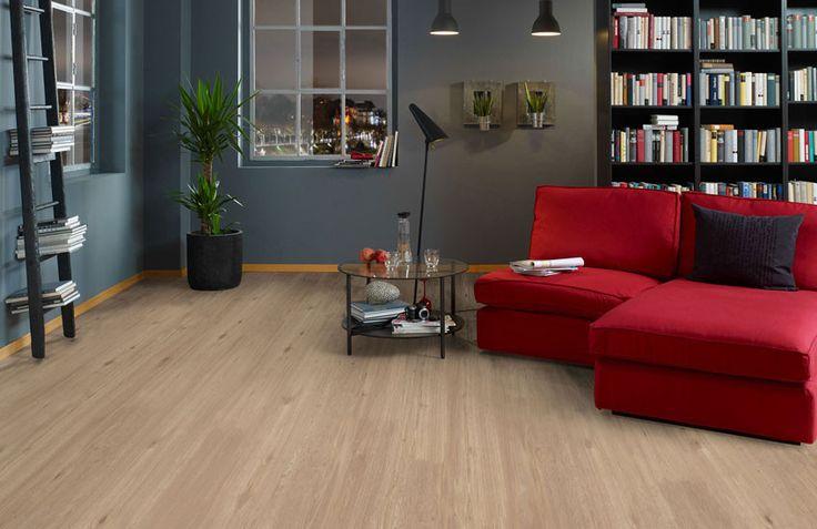 Pro Fix - Light oak. Deze pvc-vloer met warme uitstraling en subtiele houtstructuur is gemakkelijk te combineren en tijdloos!