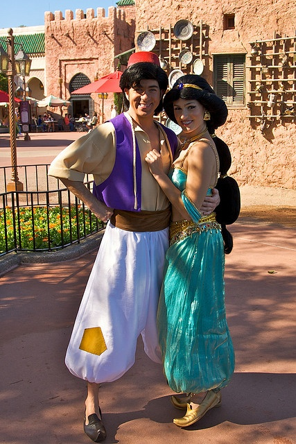 He is possibly my favorite Aladdin ever. He may not look like him very much but his voice is exactly like Aladdin's. He's on YouTube check it out!