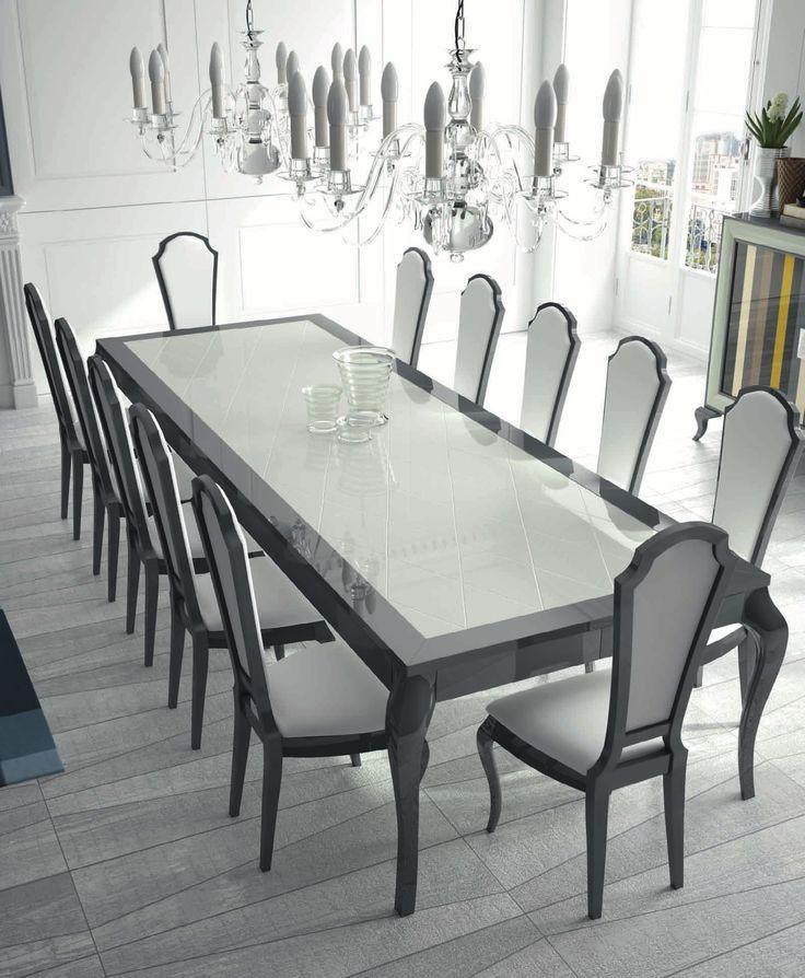 Esta composición de muebles de comedor modernos es perfecta par ahcer de tu espacio un sitio acogedor y único. Con acabados en tonos claros junto con oscuros, harán de este espacio el más característico de la casa.