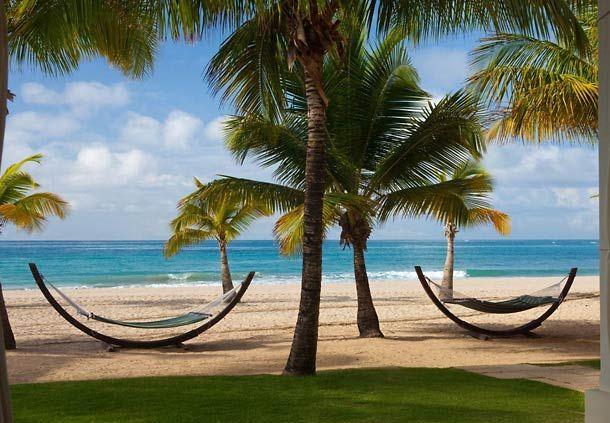 Elija un hotel en San Juan y relájese en la playa