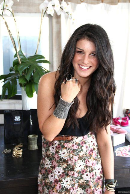 Shenae Grimes - Love her! I may have a bit of a girl crush!