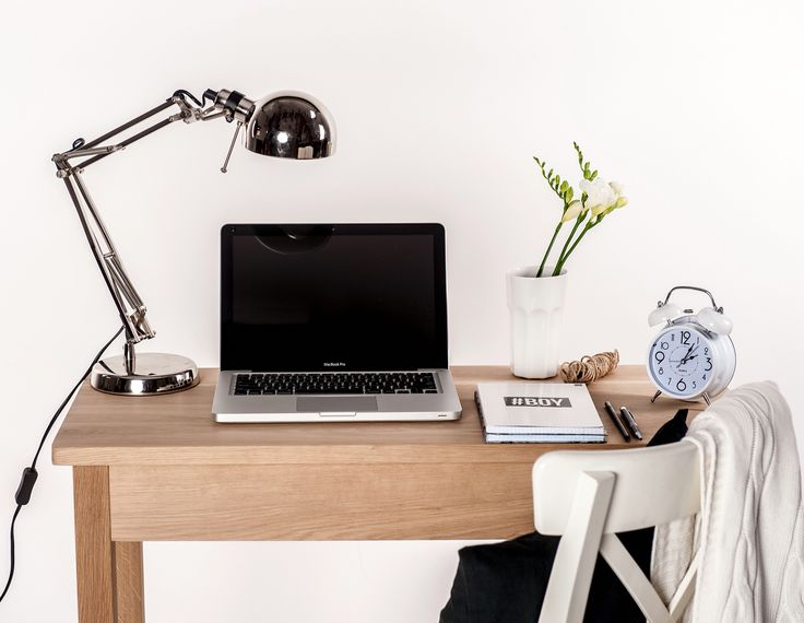 Wooden console Susanne #homeoffice #desk #workspace #woodendesk #design #wood #oakwood #oak #console