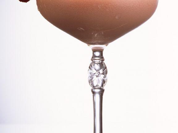 Whisky-Erdbeer-Cocktail ist ein Rezept mit frischen Zutaten aus der Kategorie Cocktail. Probieren Sie dieses und weitere Rezepte von EAT SMARTER!