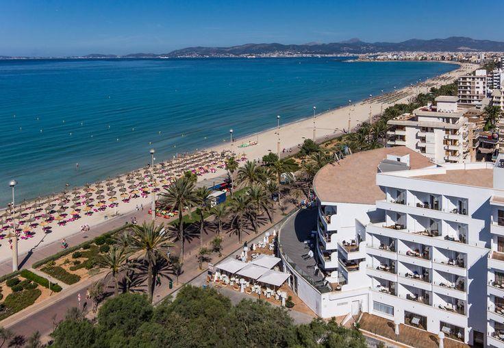 Der berühmte Strand Playa de Palma ist nur durch die Promenade von dem historischen 4 Sterne-Hotel getrennt.  Ob sonnen, shoppen oder am langen Sandstrand spazieren. All dies bietet der schöne Ort Playa de Palma. Das beliebte Grupotel überzeugt mit seiner herzlicher Gastfreundschaft und zuvorkommendem Service. Wundervolle Urlaubstage auf Mallorca sind garantiert!