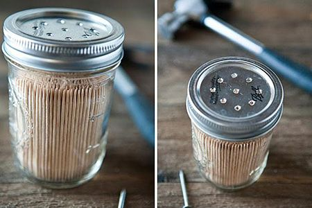 «Ξεθάψτε» τα γυάλινα βάζα που φυλάτε στην κουζίνα σας: Μπορείτε να τα εκμεταλλευτείτε με τους πιο έξυπνους και πρωτότυπους τρόπους σε όλο το σπίτι!
